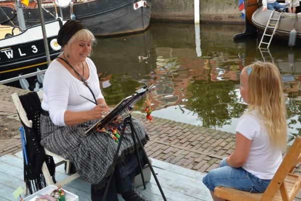 28juli2012_Marien_de_Vlieger_Haringtonnen_Maken_(1